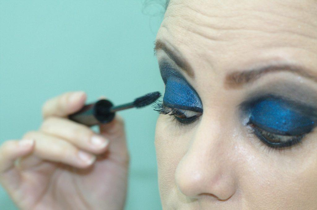 eyeliner 1589435076
