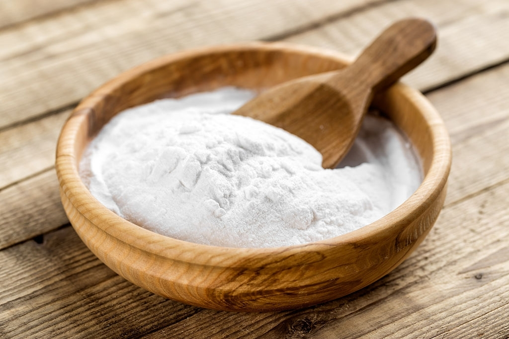how to strip hair colour with baking soda